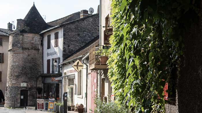 tournus street