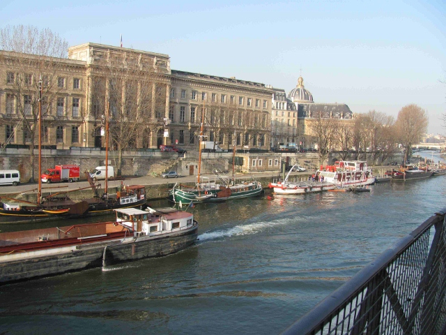 Seine, Paris, Ile de la Cite, barges