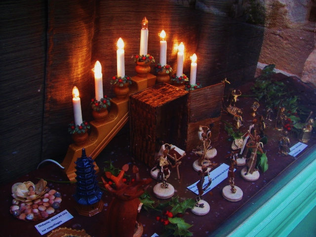Epiphany Creche in Paris: Hanukah too?
